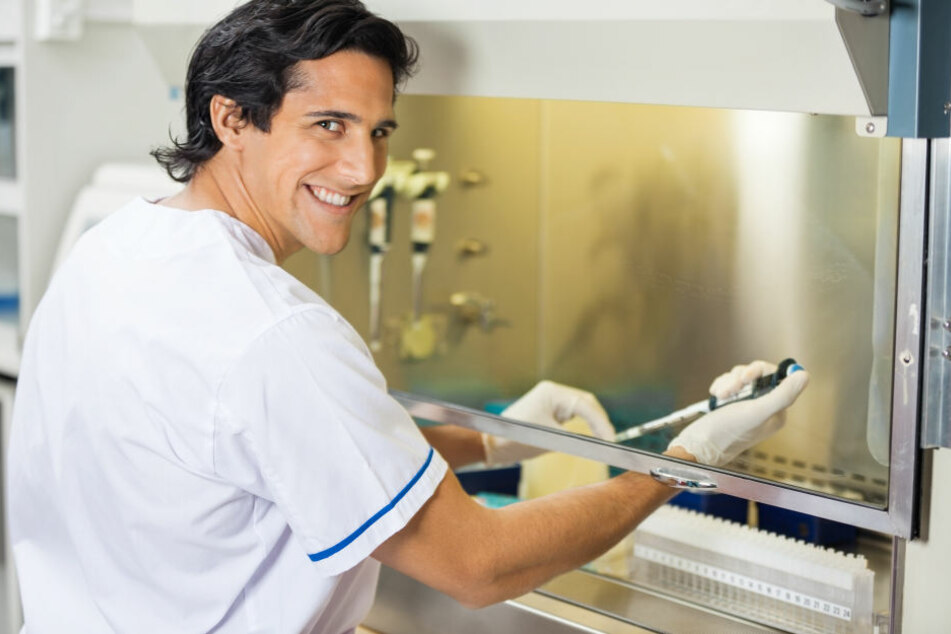 Unter nicht ärztlichen Wissenschaftlern, wie Biologen, beschäftigen sich nur 7,7 % mit Krebsforschung.