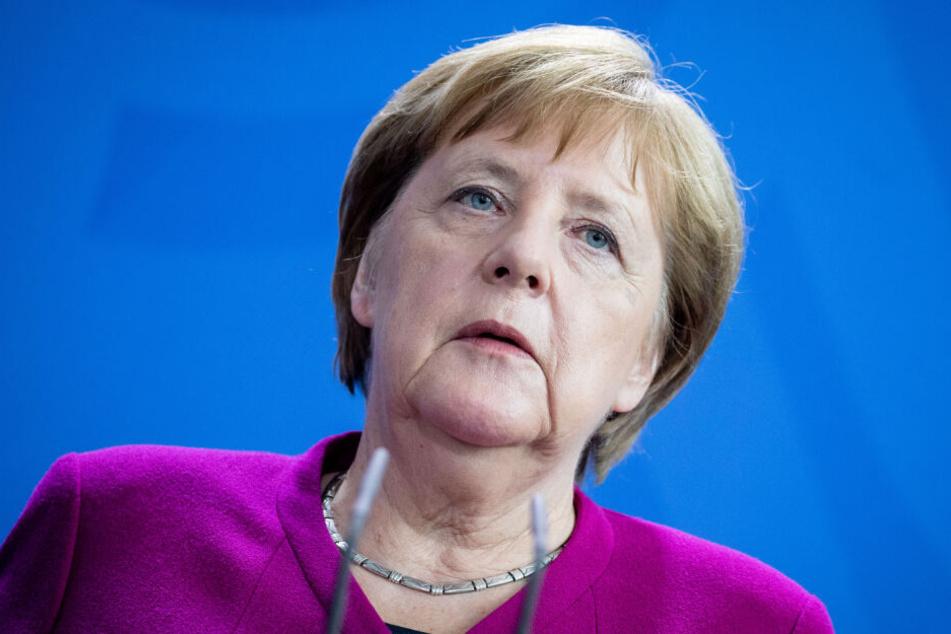 Bundeskanzlerin Angela Merkel (65, CDU) gibt nach einem Treffen mit dem Ministerpräsidenten der Niederlande im Bundeskanzleramt eine Presskonferenz.