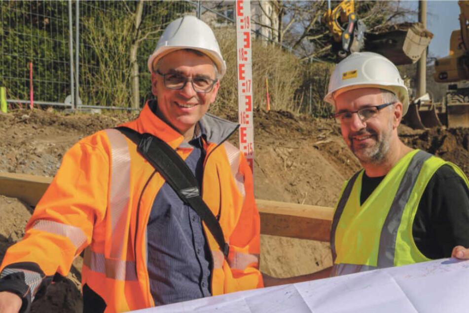 Seit Jahren glücklich im Job als DVB-Bauingenieure: Torsten Zingel (li.) und Steffen Lehmann.