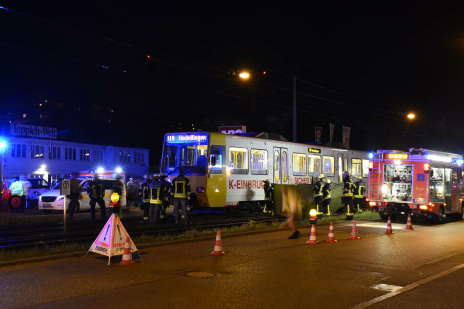 Der Mann wurde in Höhe des Großmarktes in Stuttgart-Wangen von der Stadtbahn erfasst.