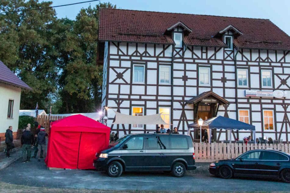 Bekannter Neonazi und Rechtsrock-Veranstalter kauft große Freifläche