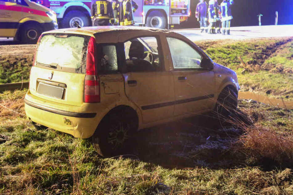 Glätte-Unfall? Frau überschlägt sich mit Fiat