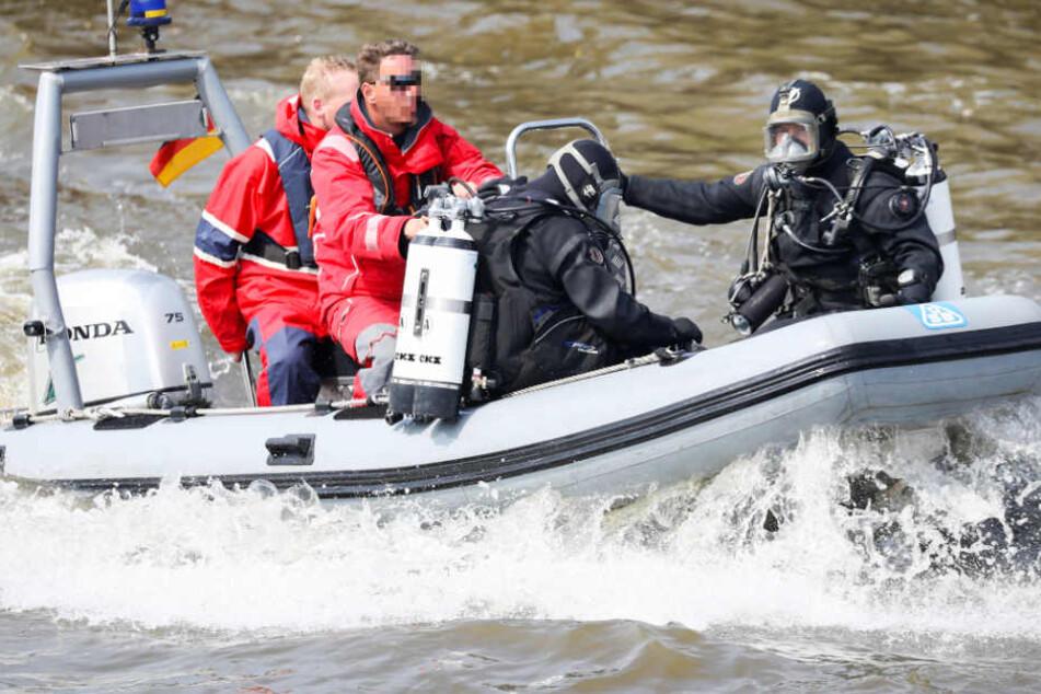 Polizei, Rettungsdienst, Wasserwacht und THW waren im Einsatz (Symbolbild).