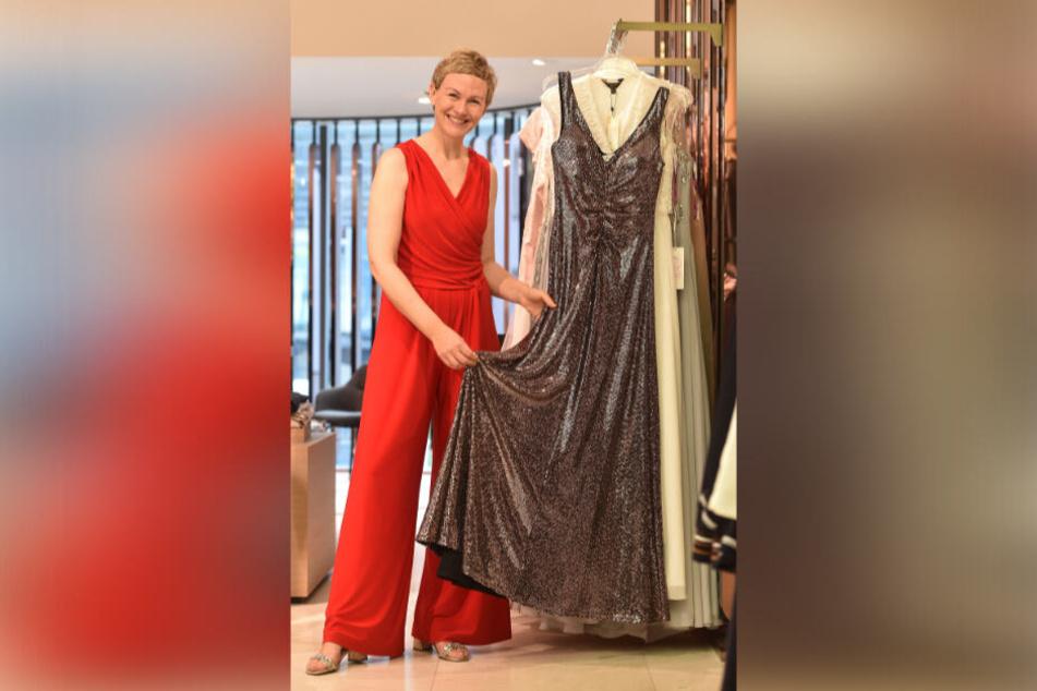 Gala-Moderatorin Karen Heinrichs (45) suchte sich bei AppelrathCüpper zwei schicke Outfits aus.