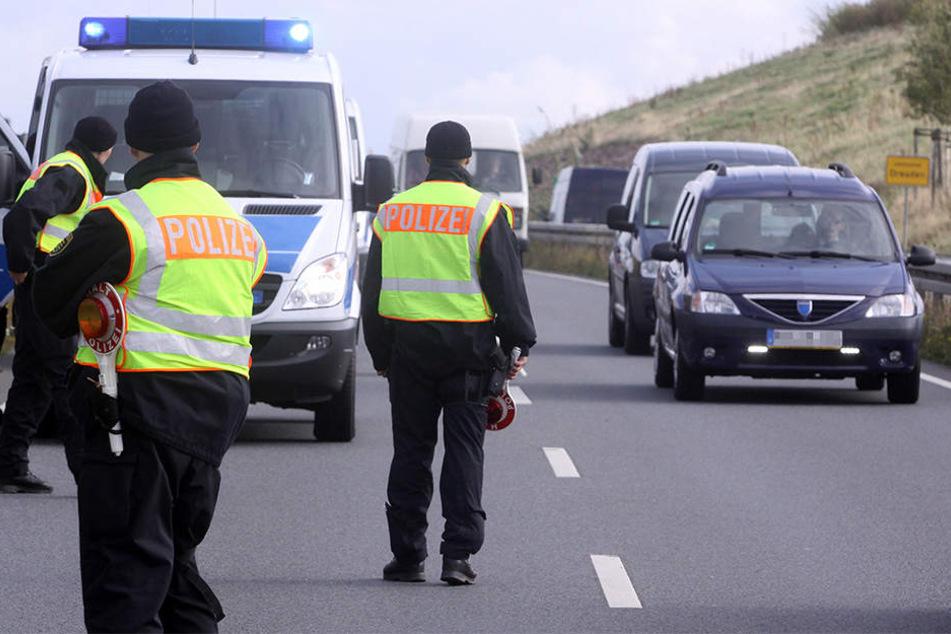 Volltreffer! Polizei schnappt Betrüger und Frau mit Haftbefehl