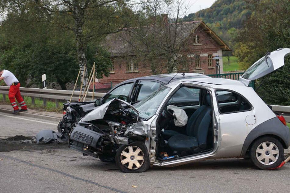 Mit ihrem Ford geriet eine 46 Jahre alte Frau am Freitag nahe Bad Überkingen (Kreis Göppingen) in den Gegenverkehr.