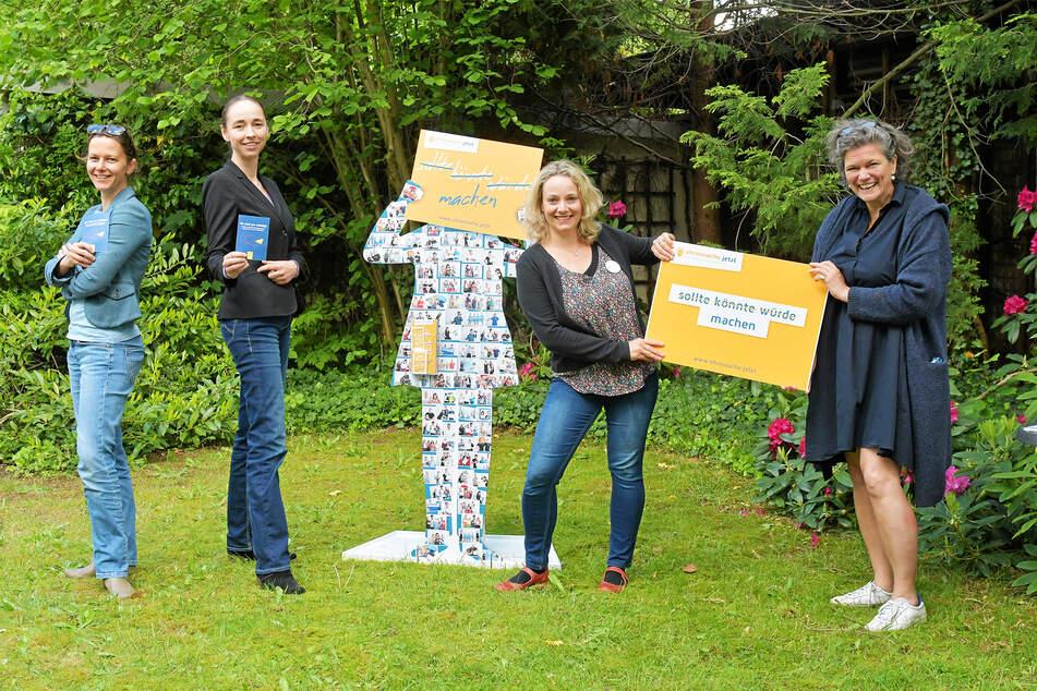 Anja Dietel (40, v.l.n.r.) vom Bürgermeisteramt, Bürgermeisterin Kristin Kaufmann (43), Annekatrin Jahn (36) und Katrin Sachs (52) von der Bürgerstiftung freuen sich über das Engagement.