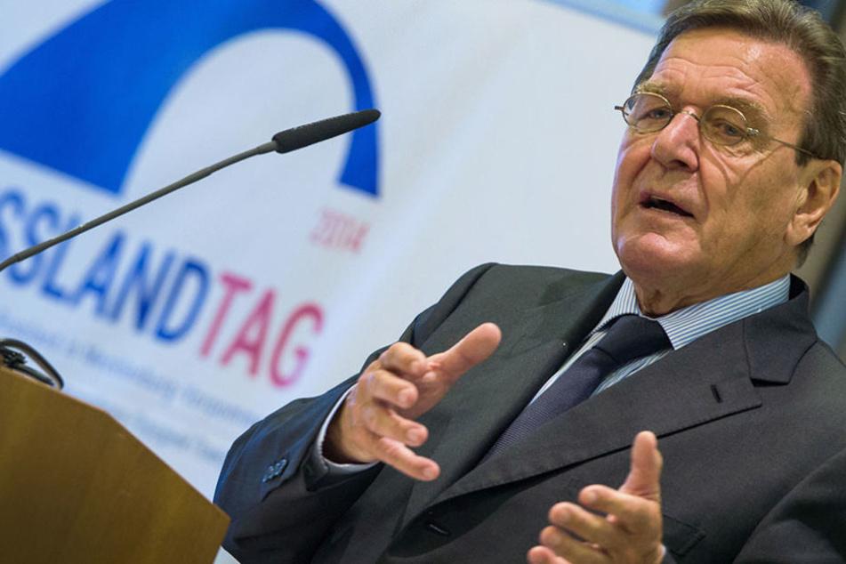 Altkanzler Gerhard Schröder bekommt ein neues Büro in Berlin für 561.000 Euro.