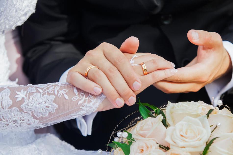 Mann steht kurz vor der 9. Hochzeit, aber seine künftige Braut hat er noch nie gesehen
