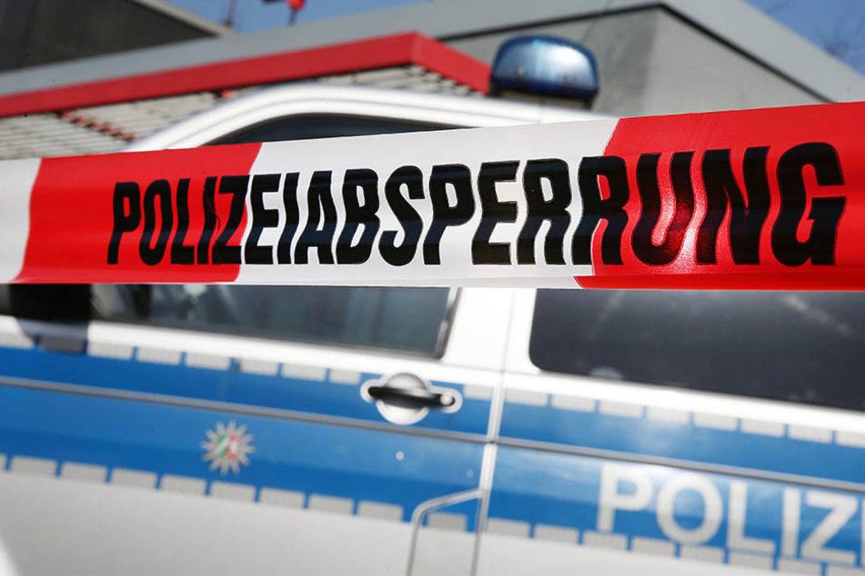 Nachdem er offenbar einen Menschen getötet hat, meldete sich ein 50 Jahre alter Mann aus Sachsen-Anhalt bei der Polizei. (Symbolbild)