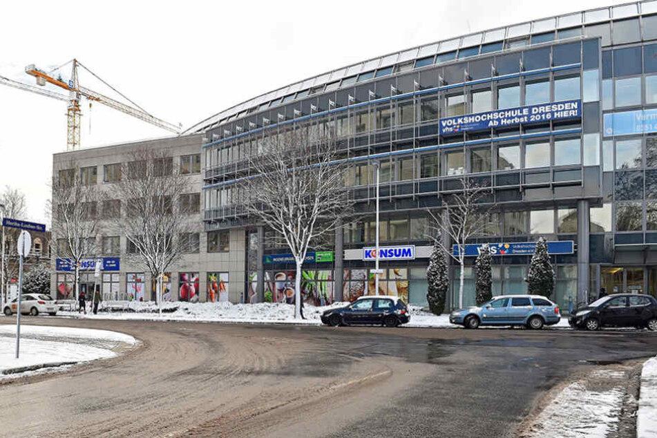 Die Volkshochschule sitzt ab sofort an der Annenstraße 10, fußläufig vom  Postplatz.