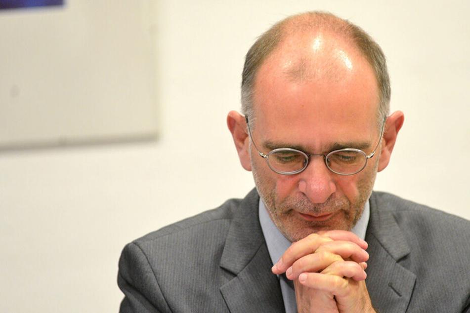 Schlappe bei Bischofswahl in Meck-Pomm: Superintendent Behr bleibt in Dresden
