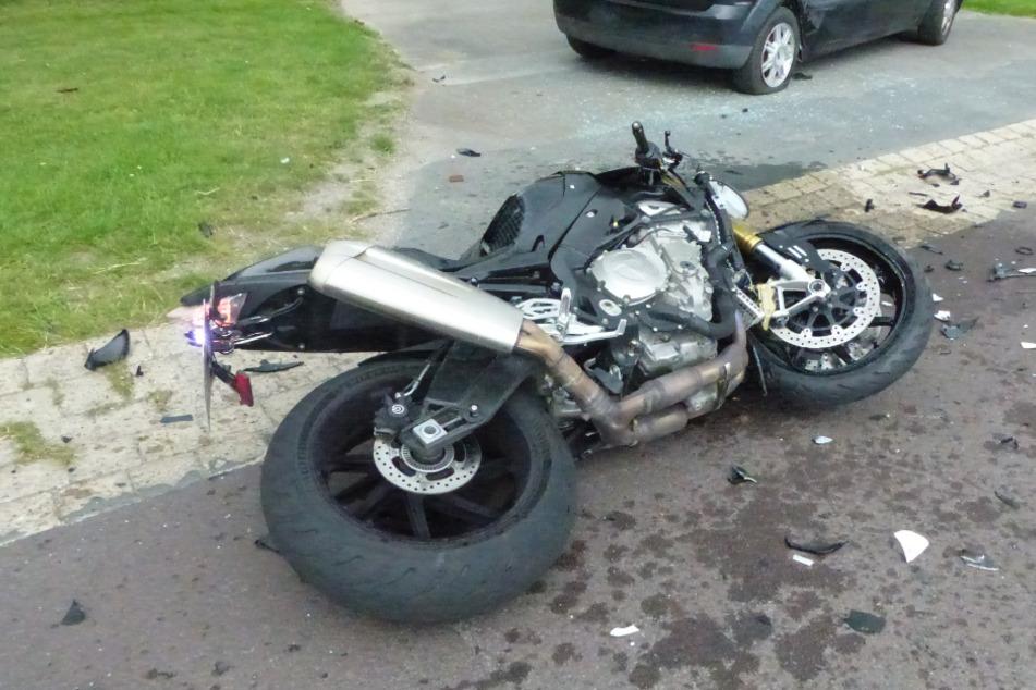 Schwerer Motorrad-Crash: 24-Jähriger kann nicht mehr bremsen