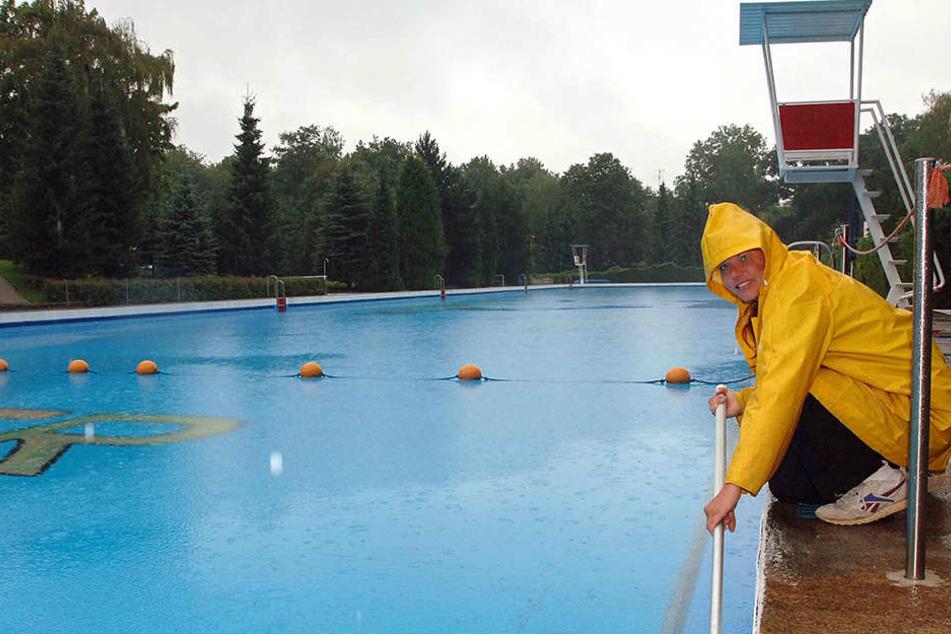 Im Bernsdorfer Freibad fiel die Saison auch schlecht aus. (Archivfoto)
