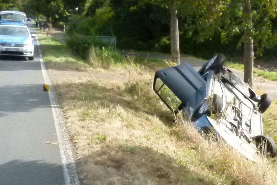 Kaum zu glauben: Aus diesem Autowrack konnte sich ein 78-Jähriger fast unverletzt befreien!