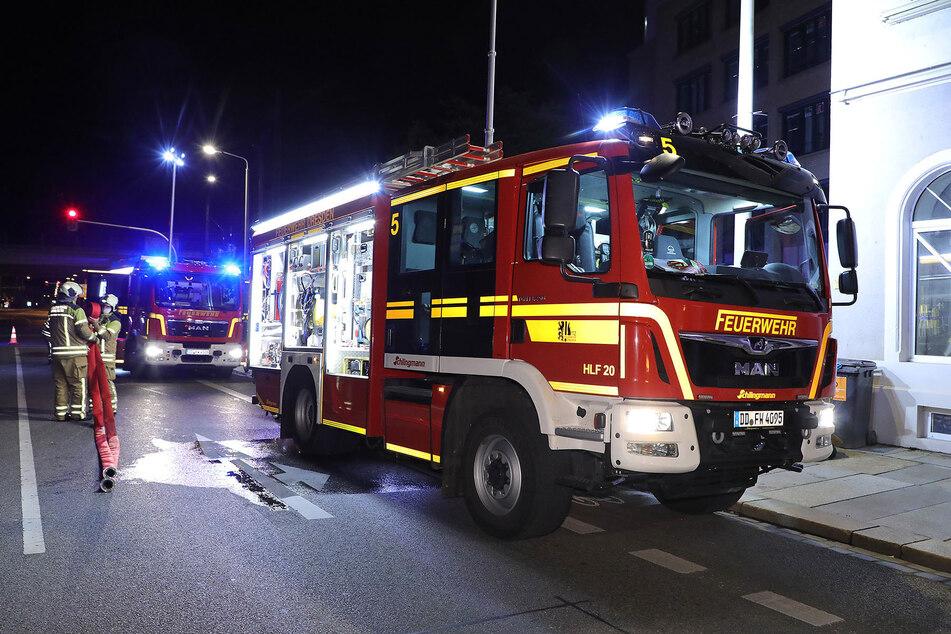 Die Feuerwehr war mit mehreren Fahrzeugen am Einsatzort.