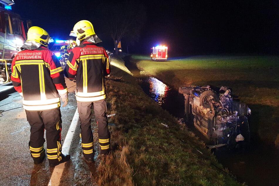 Schwerer Unfall im Unterallgäu: Auto wird in angrenzenden Bach geschleudert