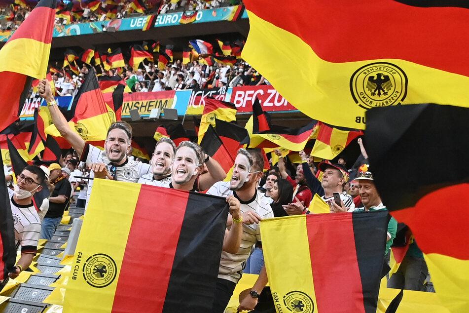 Während des EM-Spiels zwischen Deutschland und Frankreich fing der Röhren-Fernseher der 53-jährigen Monheimerin plötzlich an zu qualmen. (Symbolfoto)