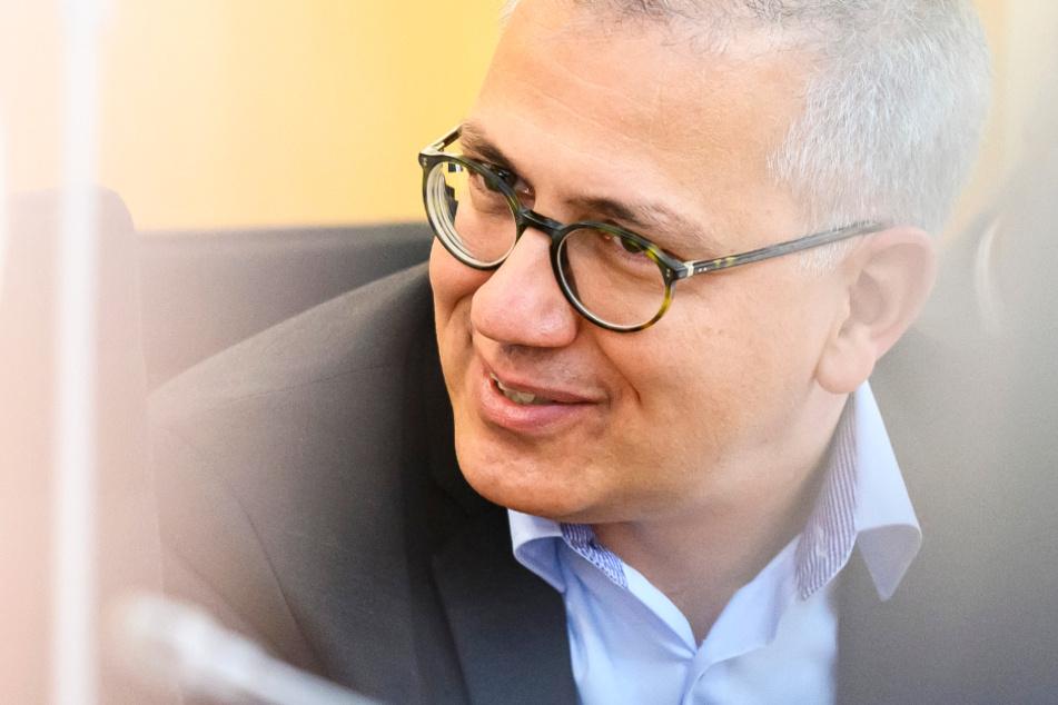 Das Bild zeigt den Wirtschaftsminister von Hessen, Tarek Al-Wazir (Bündnis 90/Die Grünen).