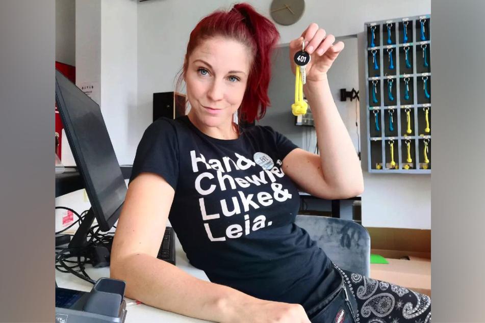 """Eve Champagne (36) arbeitet wieder in ihrem erlernten Beruf """"Hotelfachfrau""""."""