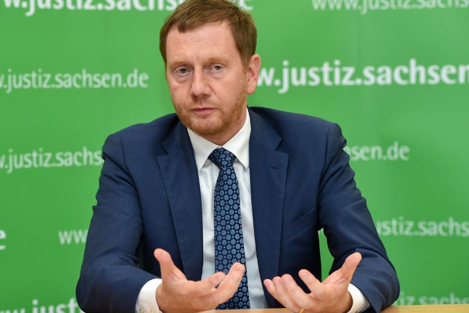 MP Michael Kretschmer (45, CDU) machte noch keine Zusage, hält aber mehr Geld für mehr Mitarbeiter bei INES für machbar.