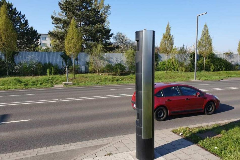 Wie auf der gegenüberliegenden Straßenseite soll der fehlende Blitzer durch neueste Technik ersetzt werden.