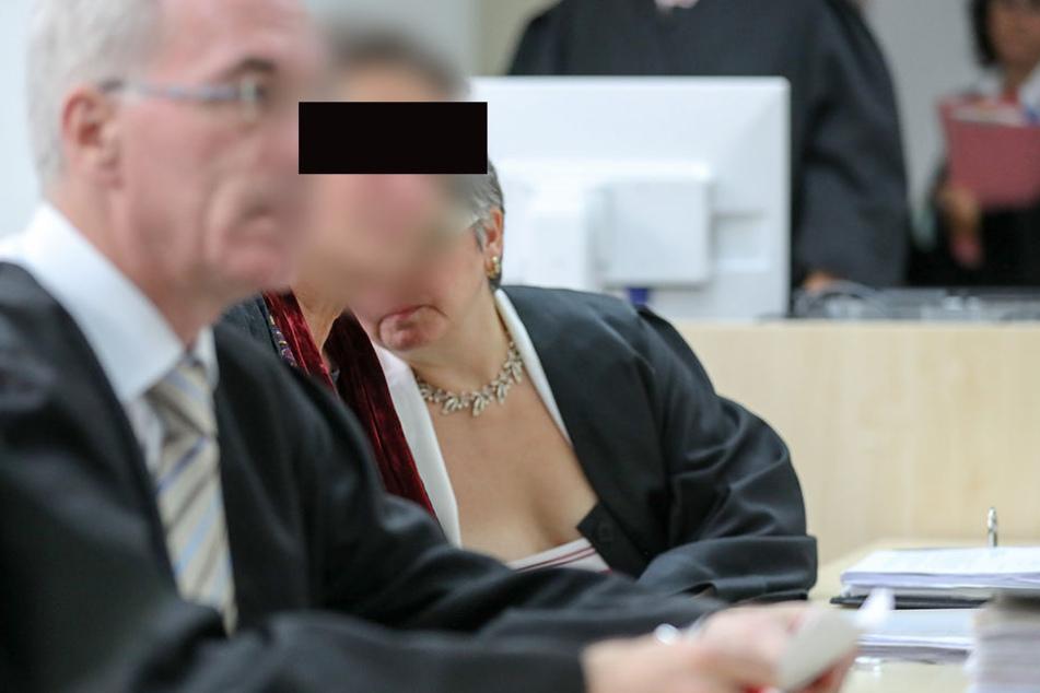 Die Angeklagte wurde aus der Untersuchungshaft entlassen.