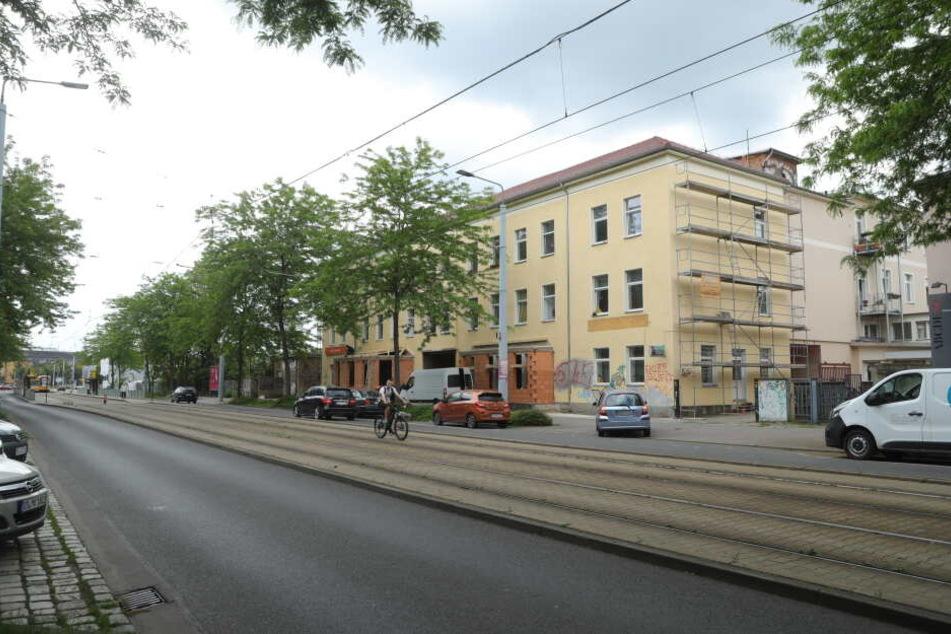 Eine 26 Jahre alte Frau ist in der Nacht zu Donnerstag in Dresden tödlich verunglückt.