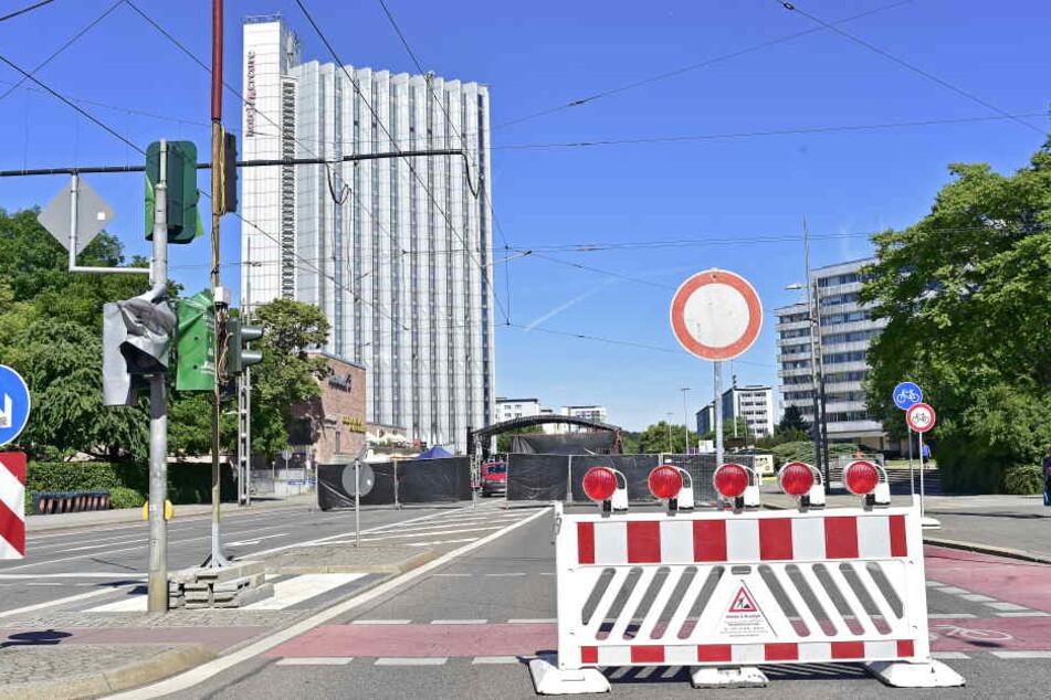 Die Brückenstraße bleibt in Richtung Mühlenstraße und Straße der Nationen noch bis ca. 22.00 Uhr komplett gesperrt.