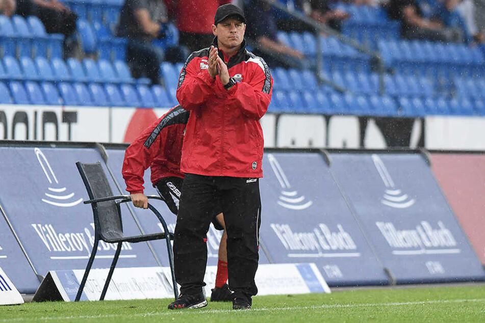 Trainer Steffen Baumgart brachte von der Bank Verstärkung in der zweiten Halbzeit.