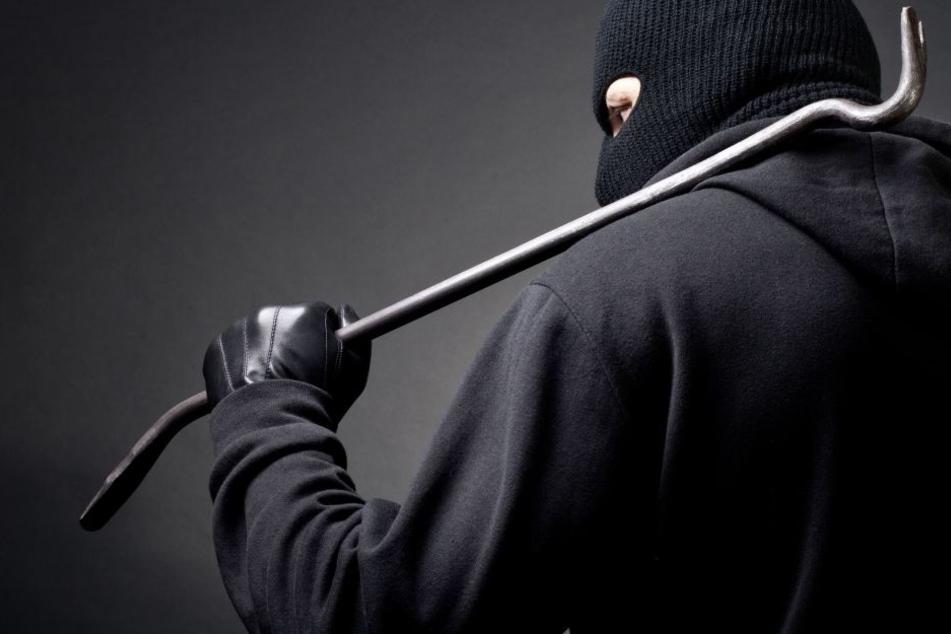 39-Jähriger mit Brecheisen geschlagen und schwer verletzt