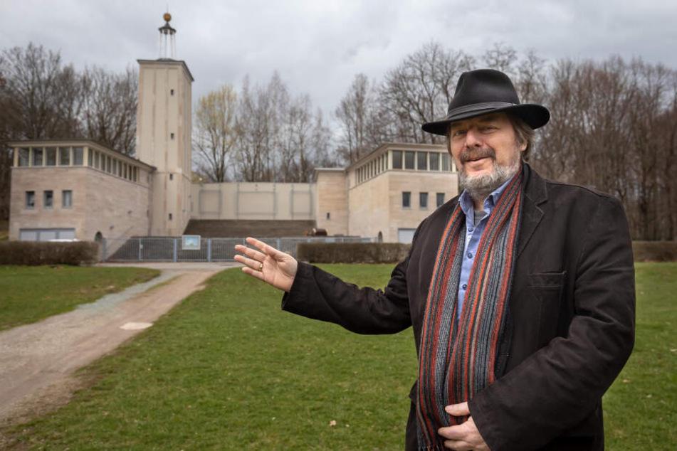"""Rolf Esche (65) feiert den 10. Geburtstag der """"neuen"""" Küchwaldbühne."""