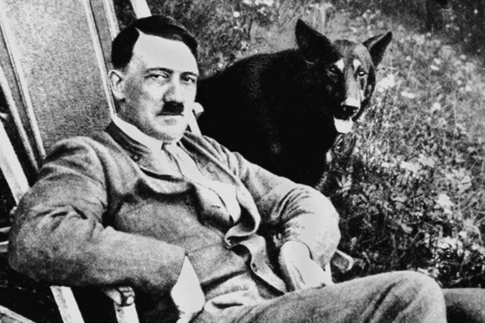 """""""Rein philosophisch gesehen"""" kann Adolf Hitler nicht """"nur dunkel"""" gewesen sein - meint Höcke."""