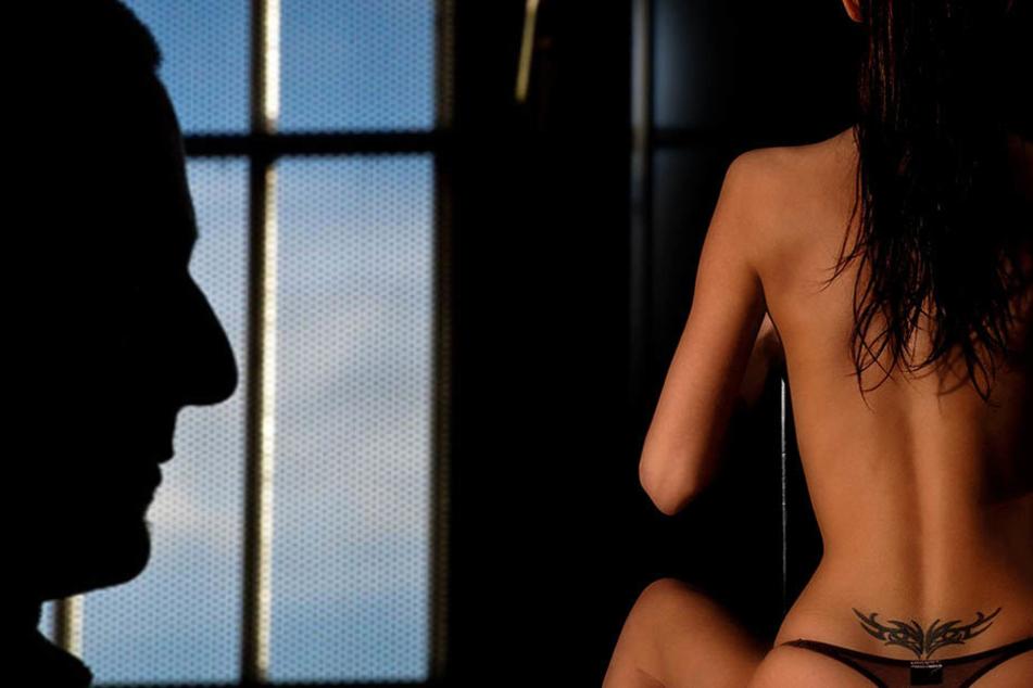 weibliche gefangnis nackt