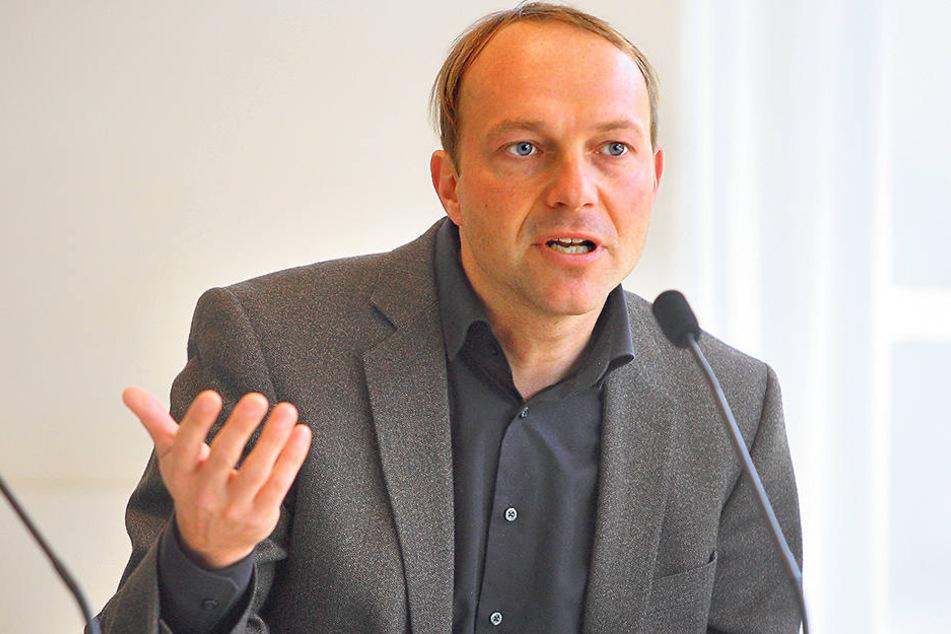 Der Jurist und Kunsthistoriker Wolfram Günther (43,Grüne) schlägt Alarm.