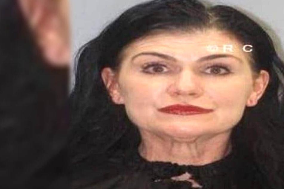 Mit mehr als 200 Droh-Mails aus unterschiedlichen Fake-Profilen soll Kathryn Leigh Witt mit ihrem Opfer Psycho-Terror betrieben haben.