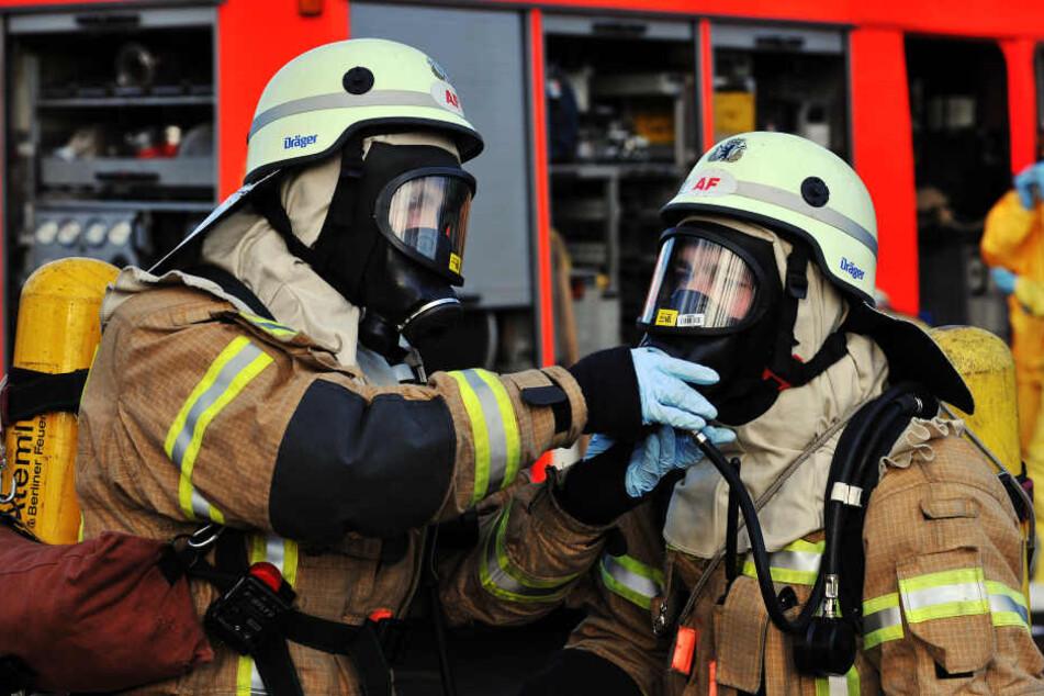 Die Feuerwehr rückte mit Spezialausrüstung an, konnte aber schnell Entwarnung geben. (Symbolbild)