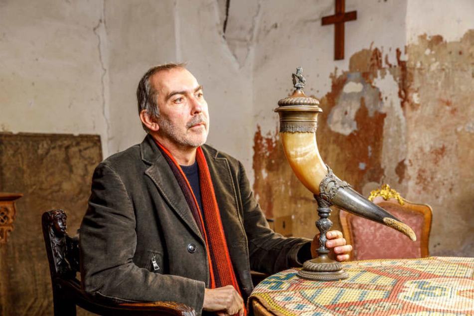 Antik-Händler Holger Kahl (55) sammelte samt seiner Familie weit über 2000 Euro an Spendengeldern ein.