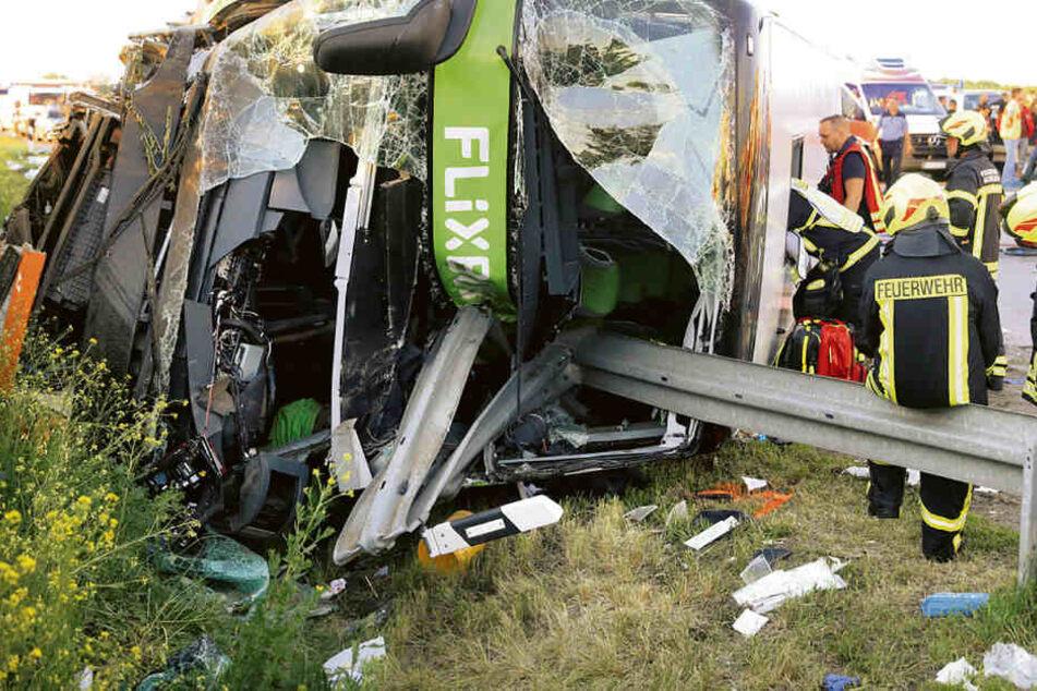 Tödlicher Flixbus-Unfall: Fahrer noch immer nicht vernommen