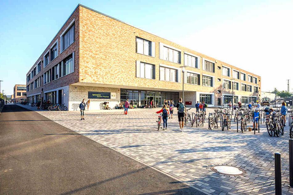 Seit Montag lernen 1500 Schüler der Gymnasien Pieschen und Klotzsche sowie der 145. Oberschule am Schulcampus Pieschen.