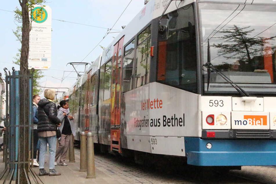 In Bielefeld gibt es vier Stadtbahnlinien, von der eine jetzt noch teurer wird, als ursprünglich gedacht.