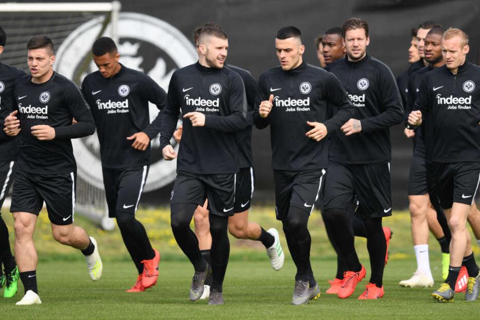 Am Donnerstagabend trifft die Frankfurter Eintracht auf Benfica Lissabon. Es bleibt abzuwarten, ob Alvaro es pünktlich nach Frankfurt (am Main) schafft.