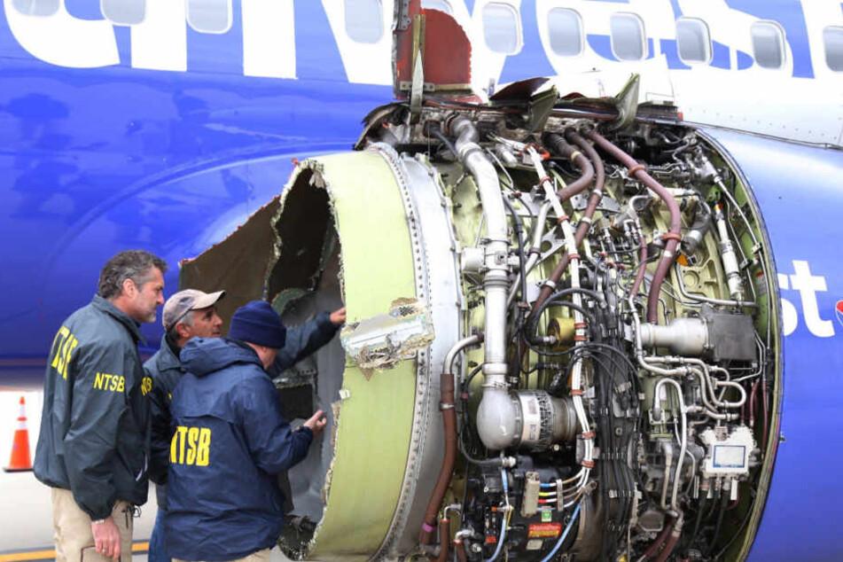 Das Triebwerk explodierte in knapp 10.000 Metern Flughöhe.