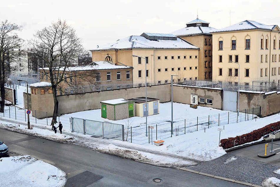 Blick auf den Kaßberg-Knast: In dem ehemaligen Gefängnis wurden zu DDR-Zeiten politische Gefangene eingesperrt.