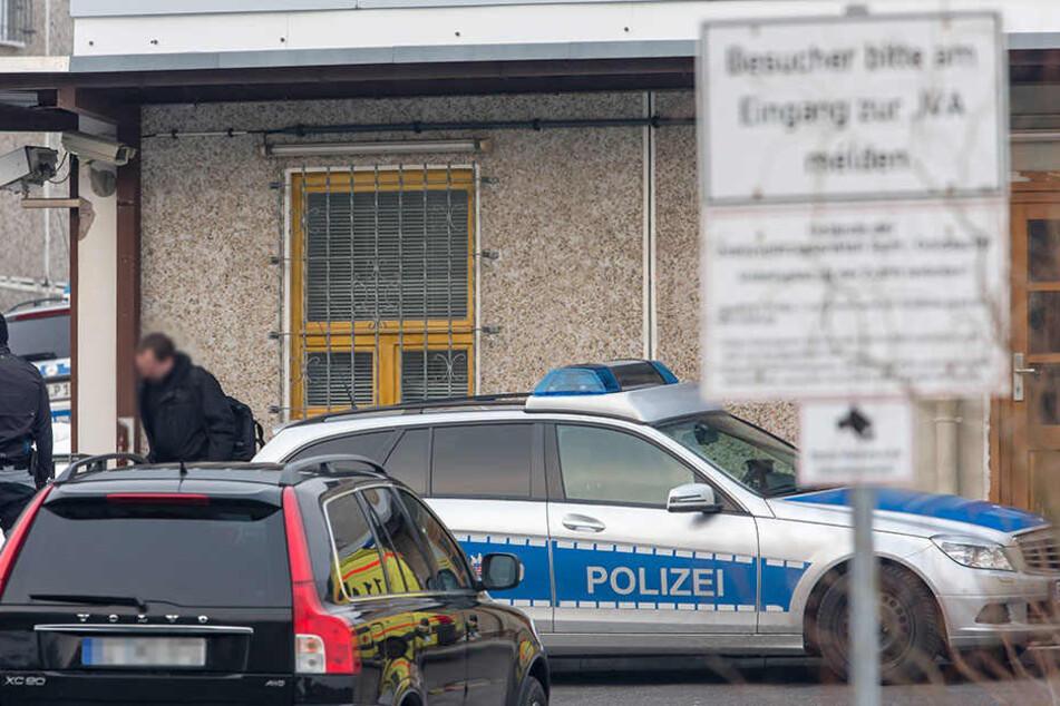 Ein 34 Jahre alter Häftling ist in seiner Zelle in der Justizvollzugsanstalt Suhl-Goldlauter tot aufgefunden worden (Archivfoto).