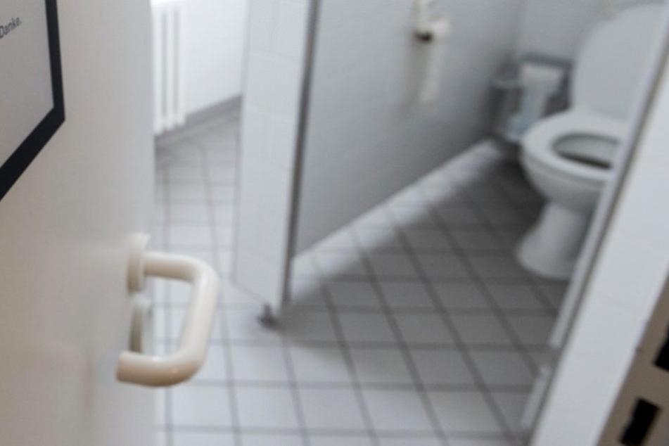Auf der Toilette einer Kneipe war eine Kamera installiert (Symbolfoto).