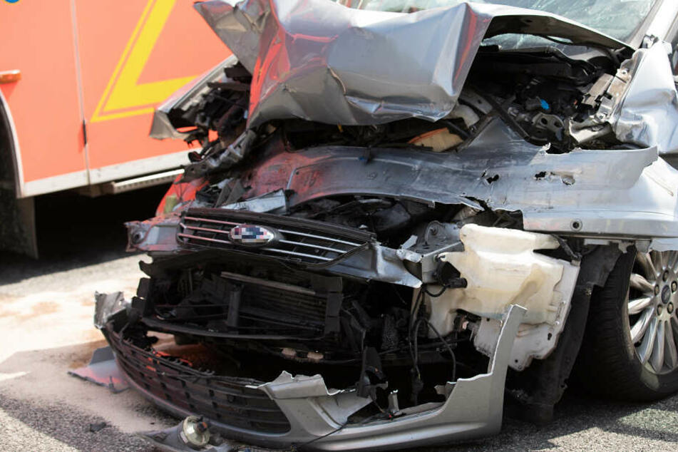 A67 bei Rüsselsheim nach tödlichem Unfall voll gesperrt