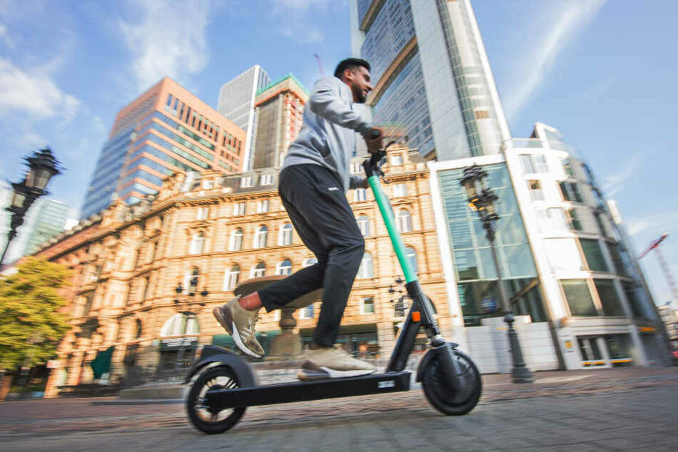 Am Samstag startete der Verleih der elektrischen Scooter in Frankfurt.