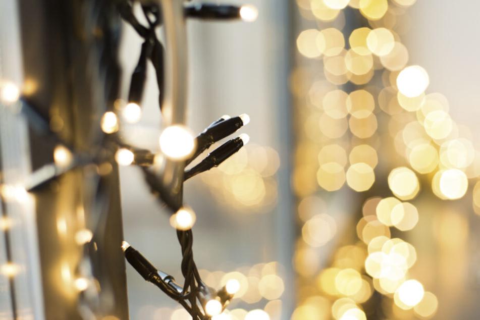 Der Mann bastelte ein Hakenkreuz aus LED-Lichtern an seine Wand. (Symbolbild)