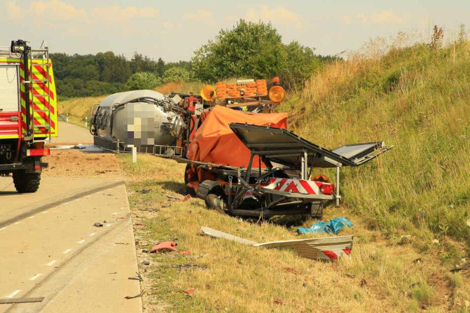Ein Trümmerfeld sahen die Rettungskräfte auf der A38.